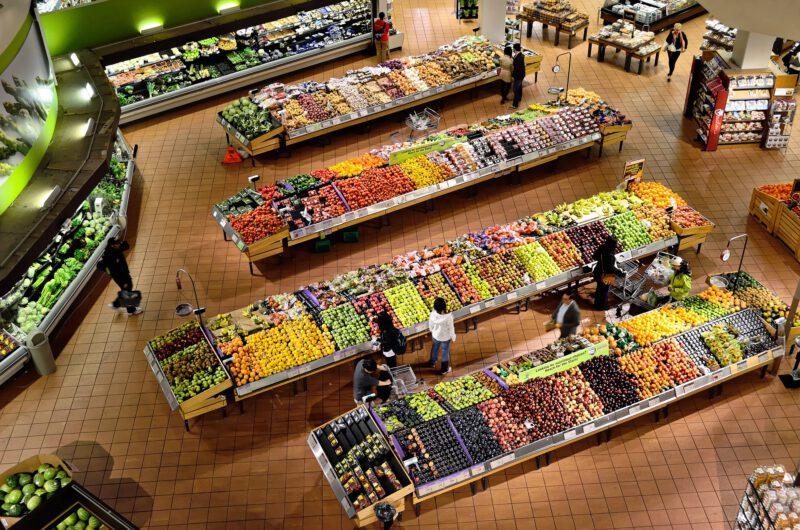 Przydatne porady jak kupować tanio i zdrowo, które pozwalają ograniczyć wydatki